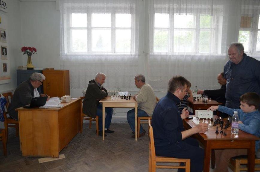 До Дня перемоги у Новограді-Волинському відбувся шахово-шашковий турнір, фото-1