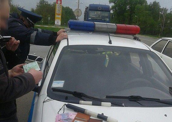 На трассе Чернигов – Гомель полицейские из Чернигова «колядовали» в форме ГАИ, фото-3