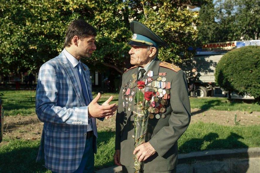 В Ялте школьники и ветераны исполнили «Вальс Победы», фото-4