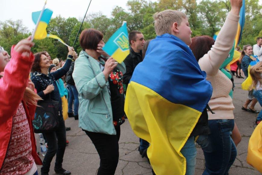 Сотні мешканців м. Селидове зібралися на патріотичному концерті, фото-12