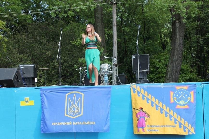 Сотні мешканців м. Селидове зібралися на патріотичному концерті, фото-32