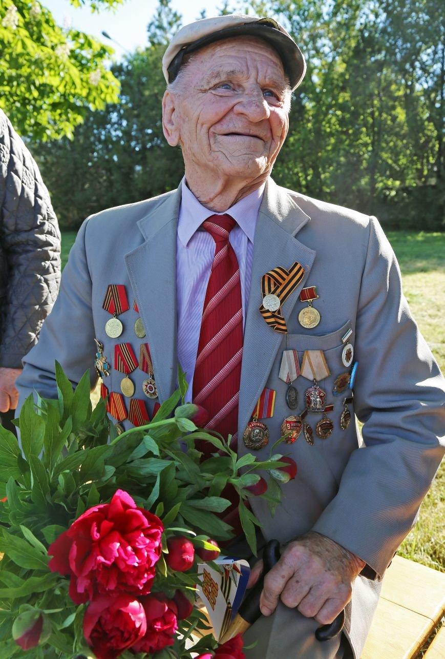 В Симферополе прошли мероприятия, посвящённые Дню Великой Победы в Великой Отечественной войне (ФОТО), фото-1