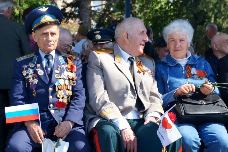 Белгородцы отпраздновали День Победы парадом и шествием «Бессмертного полка», фото-5