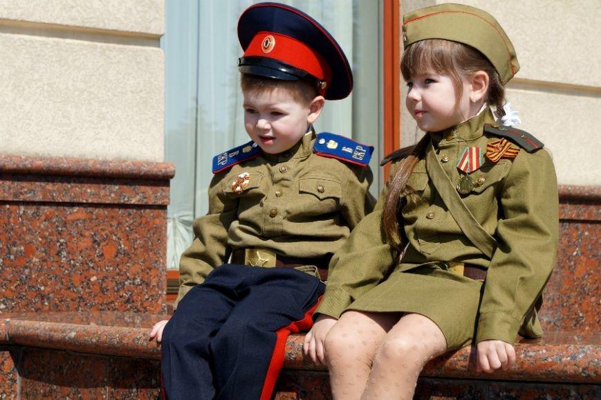 Белгородцы отпраздновали День Победы парадом и шествием «Бессмертного полка», фото-1