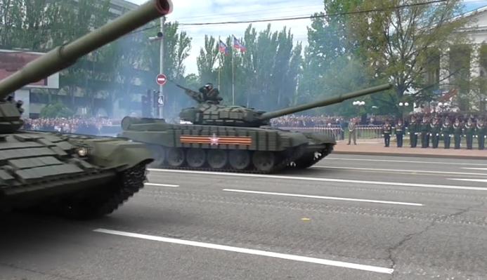 В оккупированном Донецке боевики провели военный парад (ФОТО, ВИДЕО), фото-5