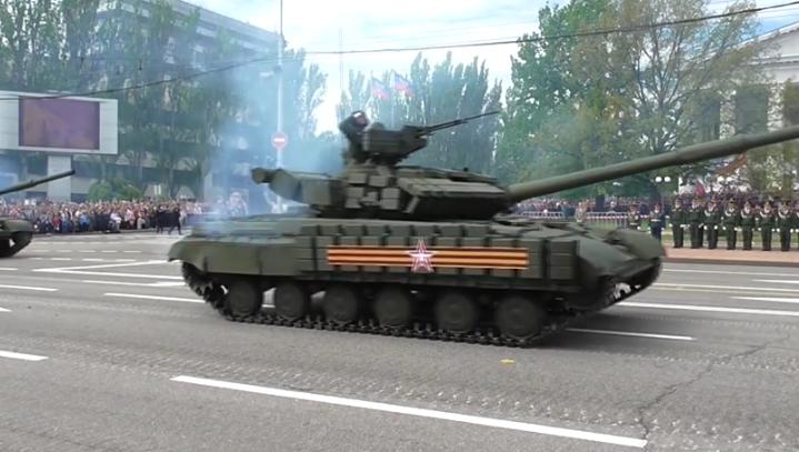 В оккупированном Донецке боевики провели военный парад (ФОТО, ВИДЕО), фото-6