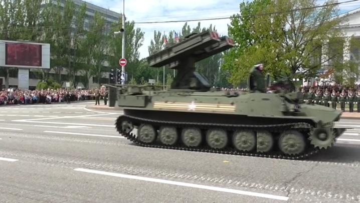 В оккупированном Донецке боевики провели военный парад (ФОТО, ВИДЕО), фото-9