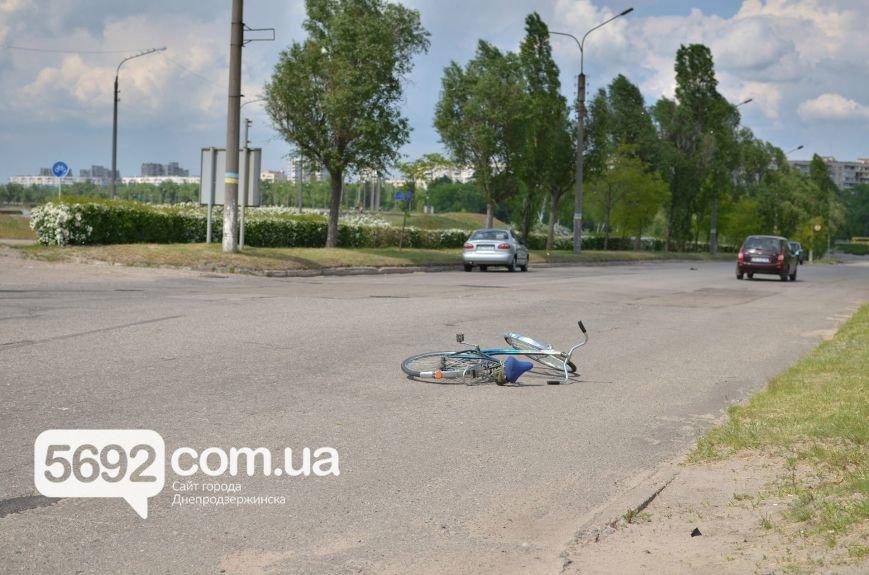 ДТП на Левобережье Днепродзержинска: велосипедист попал под колеса Daewoo Lanos, фото-2