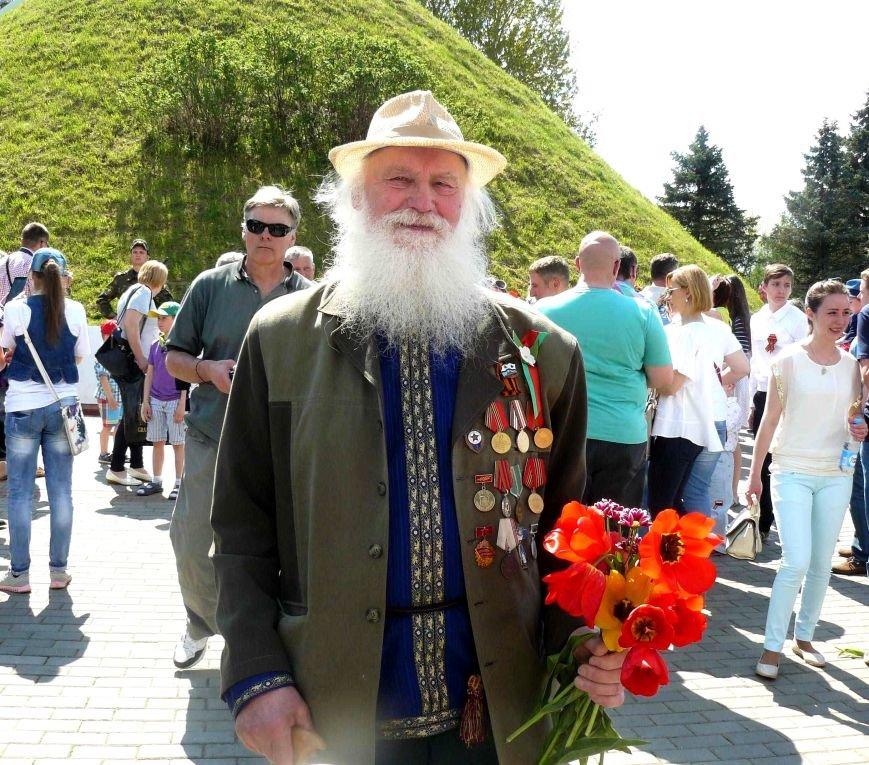 У Кургана Бессмертия в Полоцке прошла акция «Поклонимся великим тем годам…», фото-6
