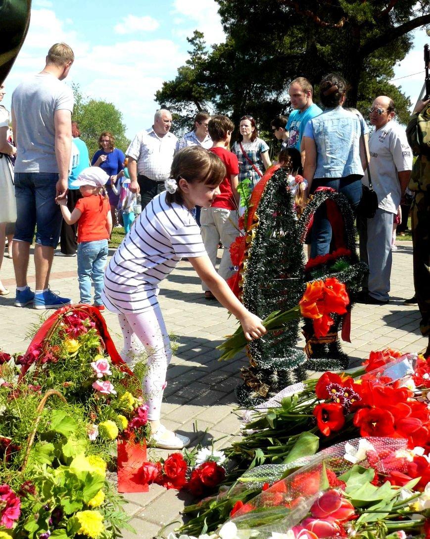 У Кургана Бессмертия в Полоцке прошла акция «Поклонимся великим тем годам…», фото-5