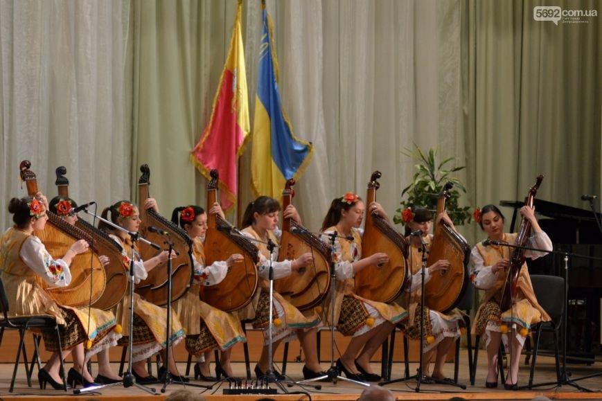 В Днепродзержинске состоялся концерт по случаю Дня Победы, фото-10