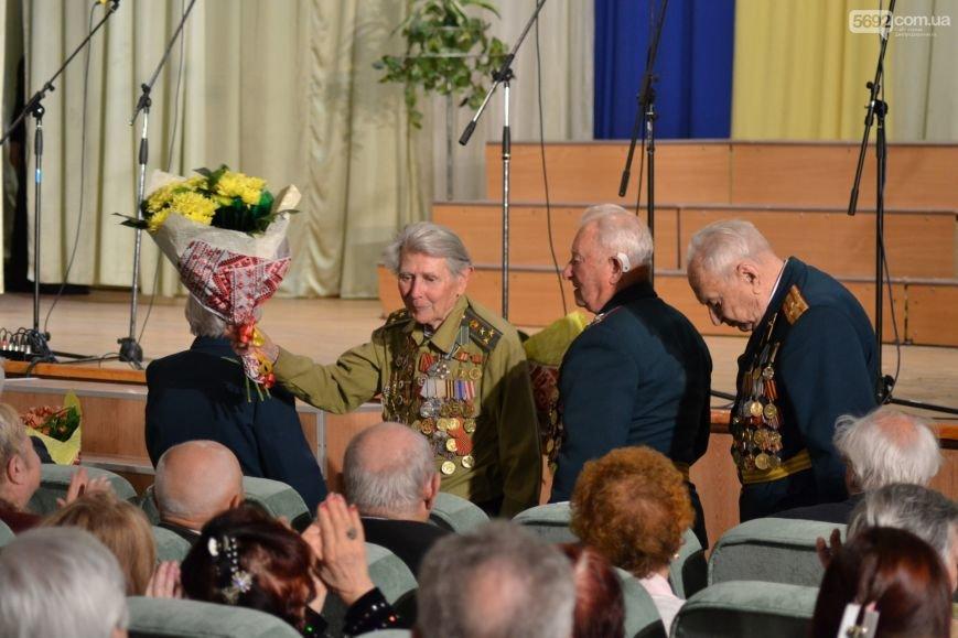 В Днепродзержинске состоялся концерт по случаю Дня Победы, фото-3