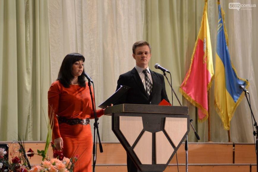 В Днепродзержинске состоялся концерт по случаю Дня Победы, фото-1