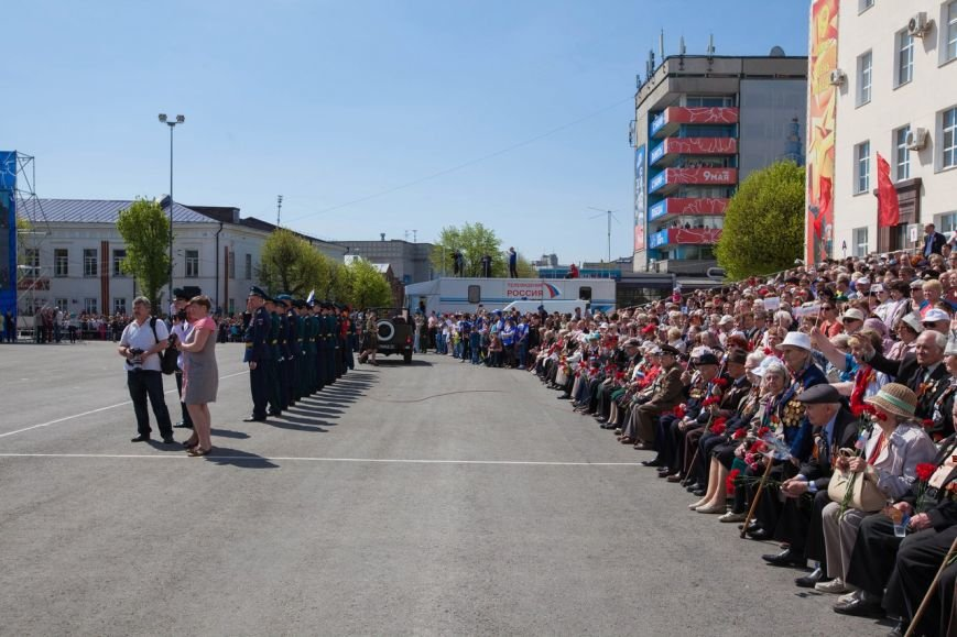 Парад Победы собрал тысячи ульяновцев. ФОТО, фото-7