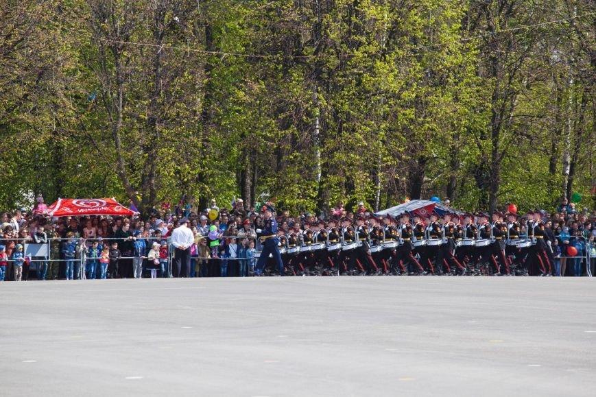 Парад Победы собрал тысячи ульяновцев. ФОТО, фото-2