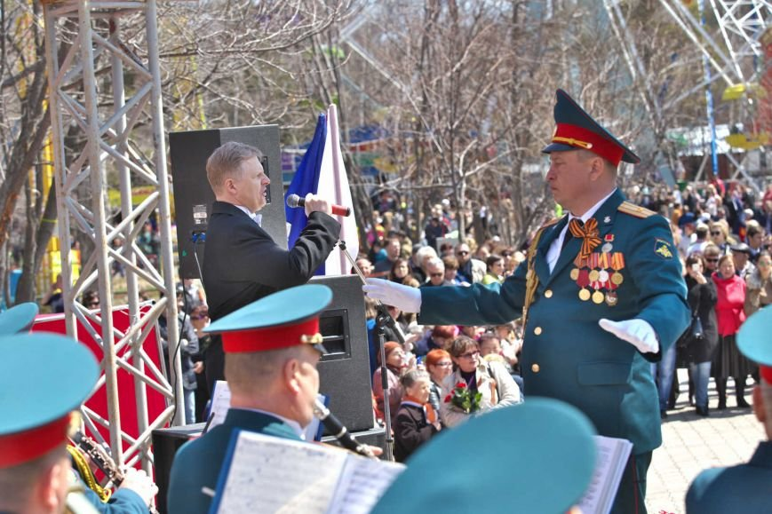Парк Южно-Сахалинска принял несколько тысяч гостей в День Победы, фото-3