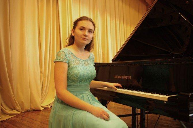 Пианистка из Новополоцка музыкой покорила Париж, фото-2
