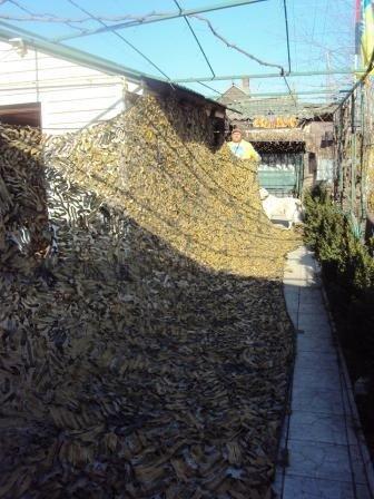 Херсонские волонтёры за год сплели 30 тыс. кв. метров маскировочных сетей (фото), фото-2