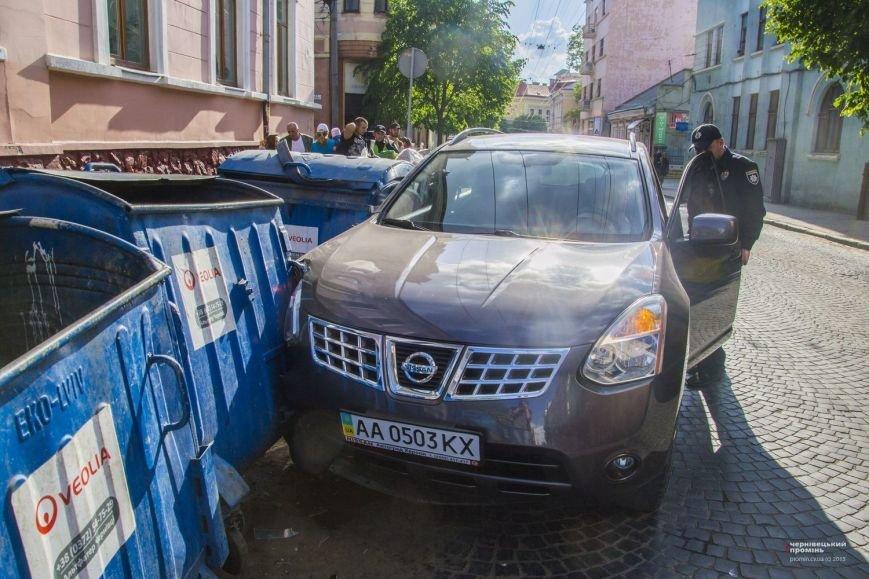 У Чернівцях жінка-водій збила бабусю(ФОТО), фото-4