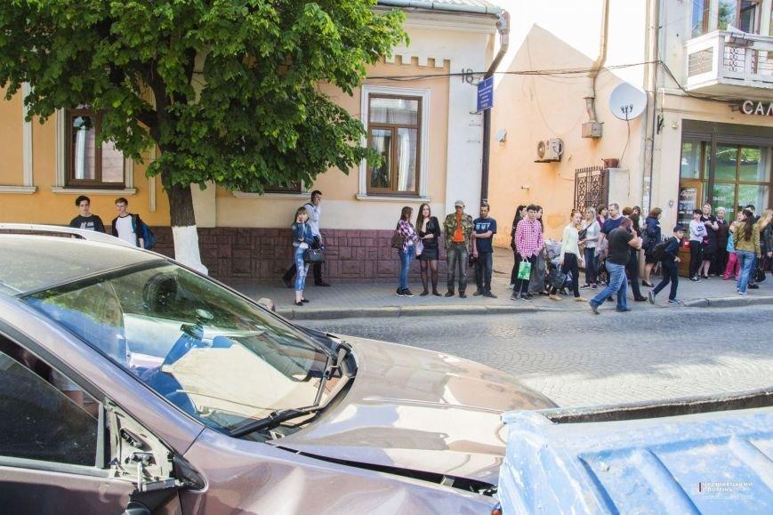 У Чернівцях жінка-водій збила бабусю(ФОТО), фото-2