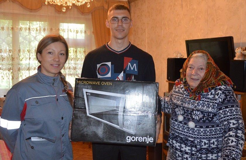 Ко Дню Победы ветераны Авдеевки получили подарки от Метинвеста (ФОТО), фото-4