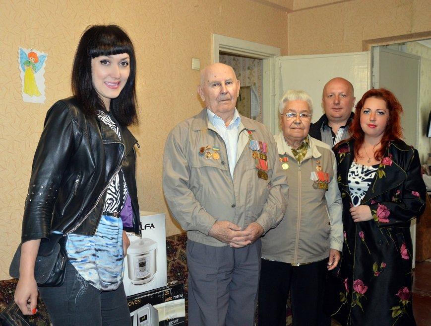 Ко Дню Победы ветераны Авдеевки получили подарки от Метинвеста (ФОТО), фото-2
