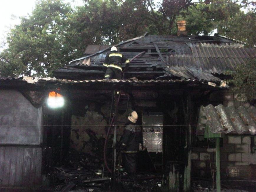 В Бахмаче из-за неисправности проводки сгорел жилой дом, фото-1