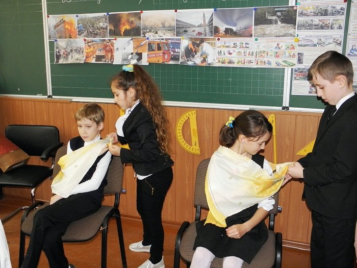 Херсонских школьников учили оказывать первую медицинскую помощь (фото), фото-1