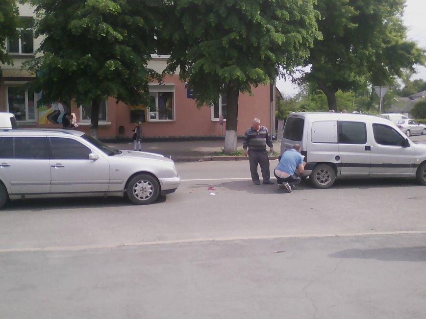 П'ятниця 13: В центрі Новограда-Волинського трапилася ДТП (ФОТО, ВІДЕО), фото-4