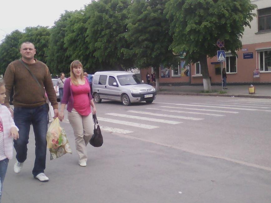 П'ятниця 13: В центрі Новограда-Волинського трапилася ДТП (ФОТО, ВІДЕО), фото-2