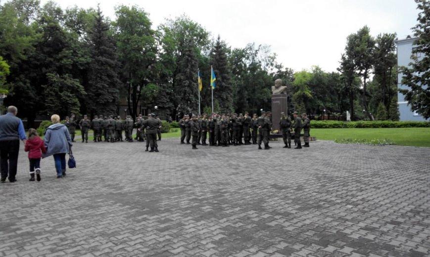 Краматорск в ожидании президента: военная техника окружила центральную площадь (ФОТО), фото-1