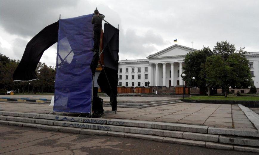 Краматорск в ожидании президента: военная техника окружила центральную площадь (ФОТО), фото-5