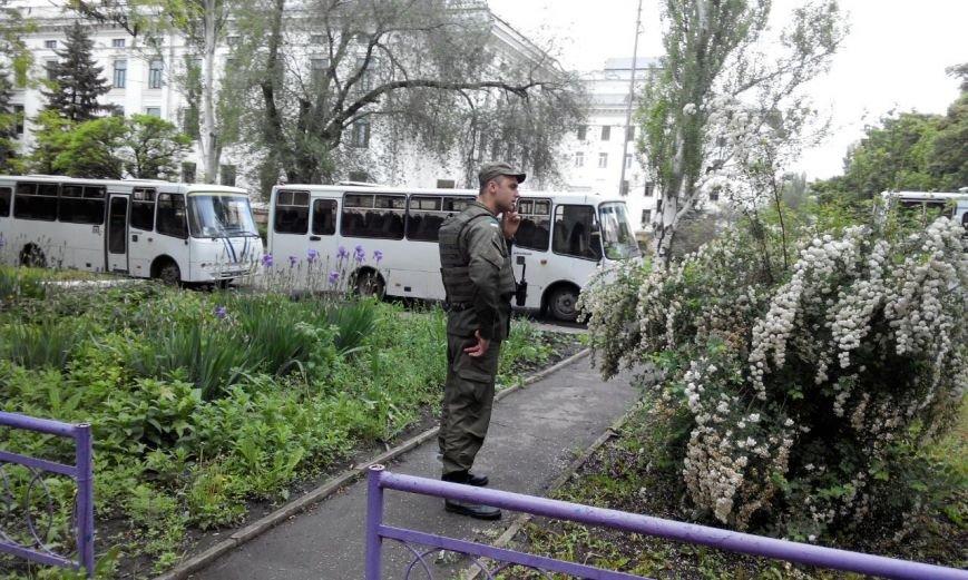 Краматорск в ожидании президента: военная техника окружила центральную площадь (ФОТО), фото-3