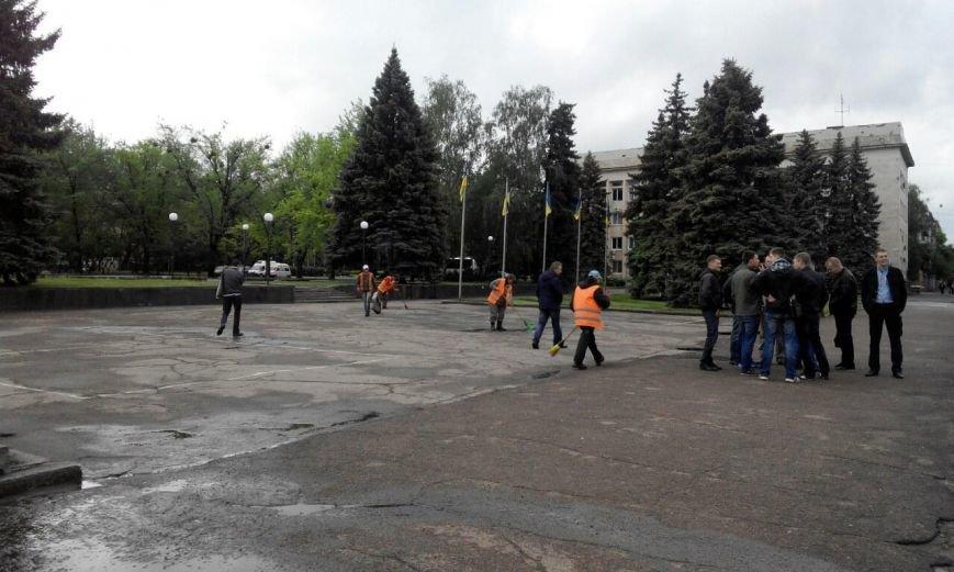 Краматорск в ожидании президента: военная техника окружила центральную площадь (ФОТО), фото-6