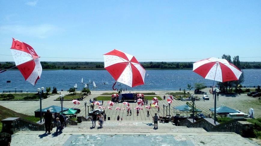Love, love, love: в парке Славы проходит семейный фестиваль «Свадьба в Херсоне» (фото), фото-5