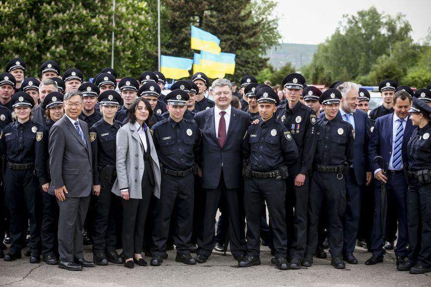 Порошенко принял присягу у новой полиции Краматорска и Славянска (ФОТО), фото-3