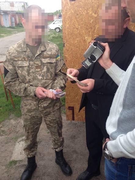 Дань с подчиненных ежедневно собирал черниговский пограничник, фото-1