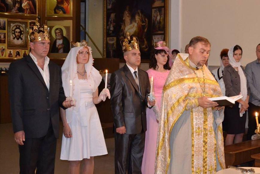 В Международный день семьи херсонцам устроили мастер-класс, показали коцерт и бесплатно венчали, фото-1