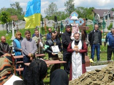 На Буковині похоронили, загиблого в АТО бійця(ФОТО), фото-2