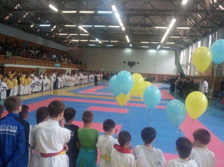 11 каратистов привезли в Бердянск 16 медалей, фото-1