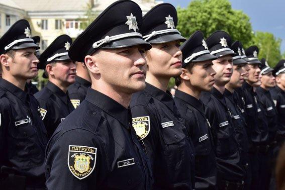 В Краматорске за сутки 87 раз вызывали новых патрульных полицейских, фото-5