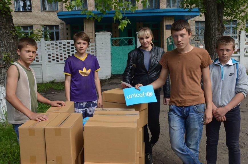 ЮНИСЕФ привез в Краматорск средства ухода за детьми, фото-3