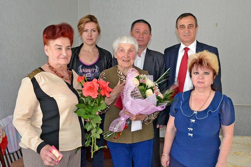 Ветеран ВОВ из Кореиза отметила 90-летний юбилей, фото-1