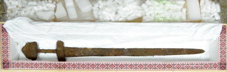 Уникальный меч викингов вернули в Киев, фото-3