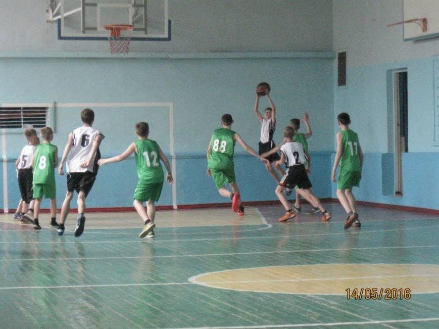 В Новодонецком прошли соревнования по баскетболу, фото-1