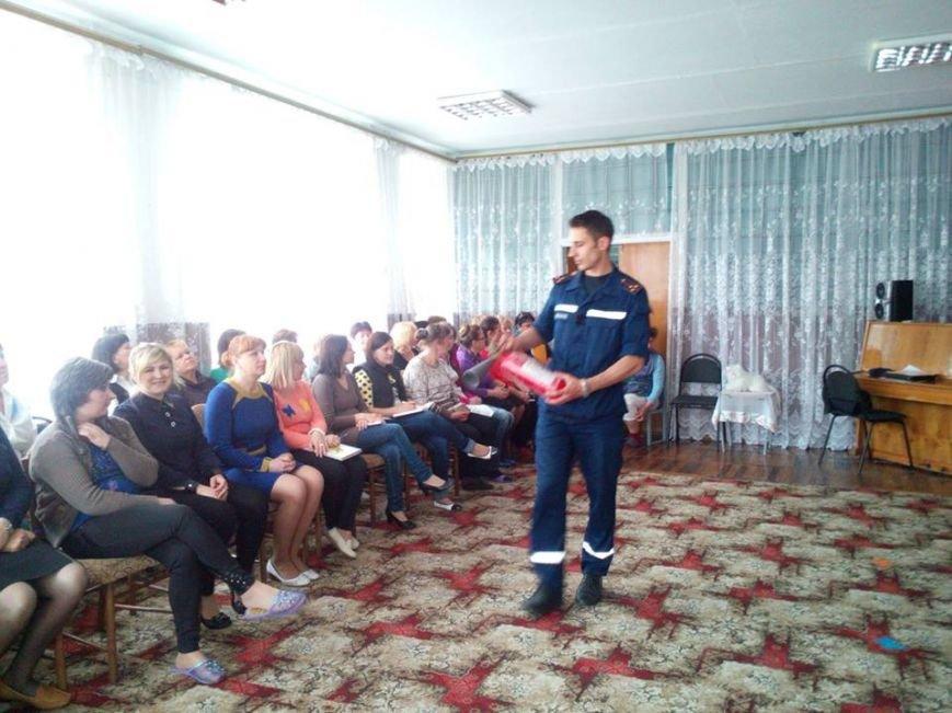 У 16-му дитсадочку Новоград-Волинського навчалися пожежній безпеці, фото-2