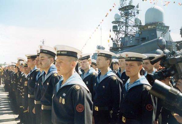 Ямальцы поздравили моряков-балтийцев, фото-2