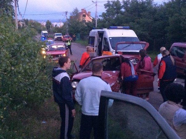 У Чернівцях ДТП - зіштовхнулись дві автівки, фото-2