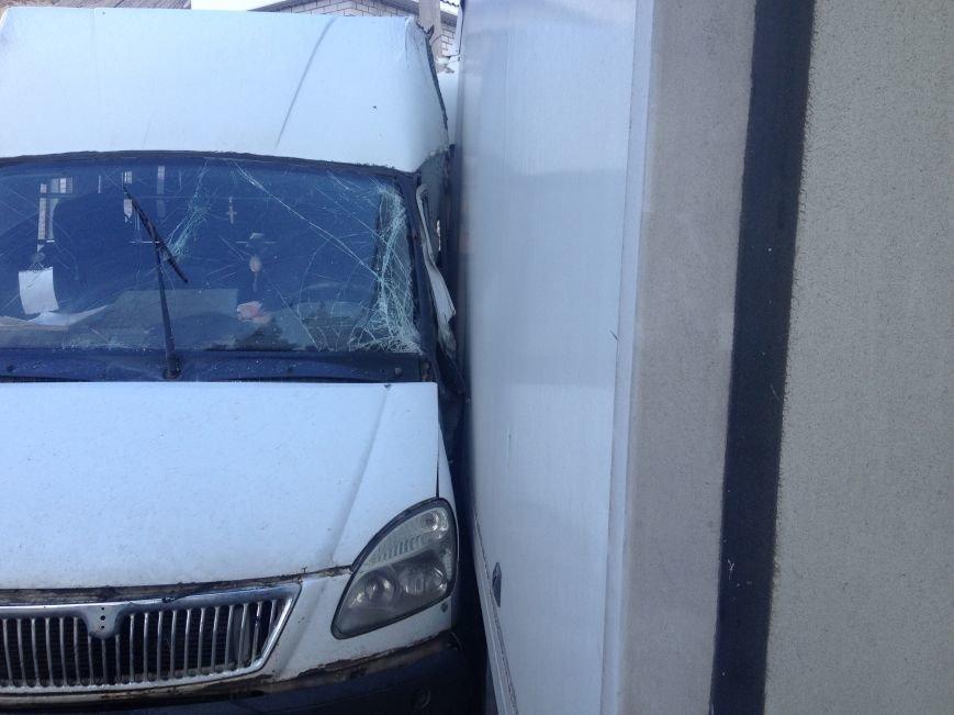 На Передовой грузовик столкнулся с маршруткой: есть пострадавшие (ФОТО), фото-2