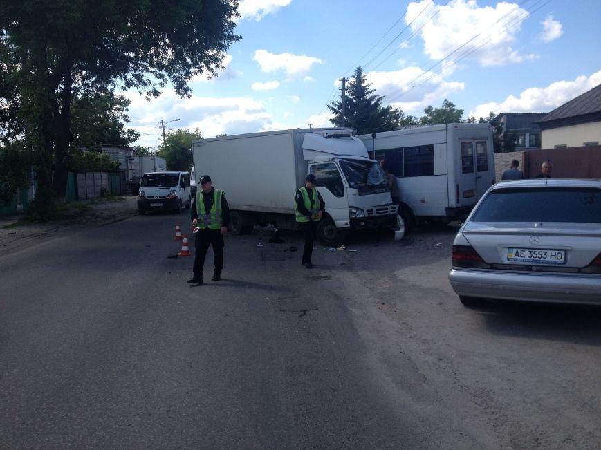 На Передовой грузовик столкнулся с маршруткой: есть пострадавшие (ФОТО), фото-1